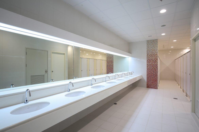 Construção de banheiros para uma nova academia